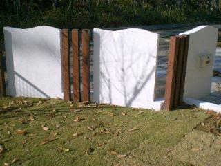 角柱と塗り壁の外構