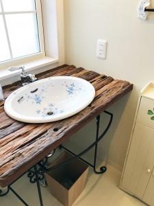 洗面:可愛いトイレのシンク